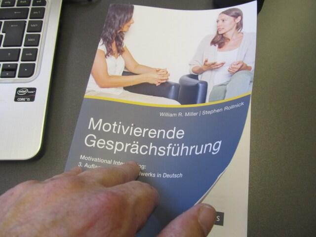 Motivierende Gesprächs-FÜHRUNG