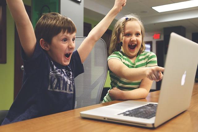Digitale Kompetenz Für Kinder Und Jugendliche